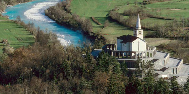 Kostnica s Cerkvijo Sv. Antona / Sacrario dei Caduti di Caporetto